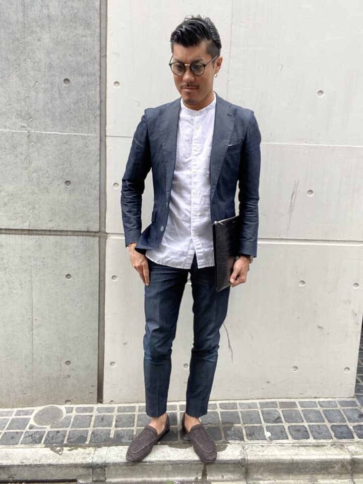 メンズ セットアップ×バンドカラーシャツ コーデ